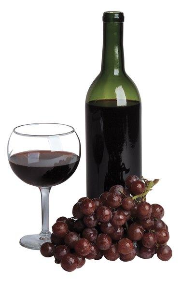 Wine , glass of wine , grapes