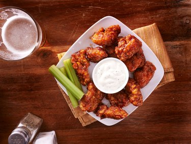 bbq buffalo chicken wings with beer