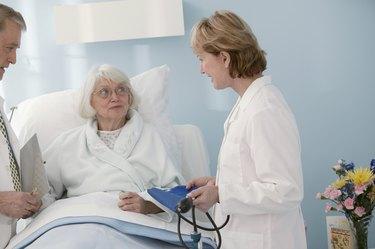 Doctor speaking patient in hospital