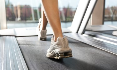 Woan on treadmill