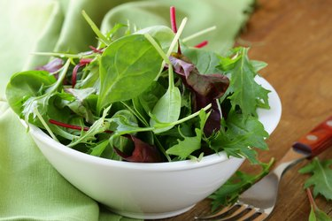 mix salad (arugula, iceberg, red beet)