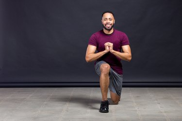 Man doing a lunge workout during leg day