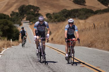 Cyclists competing in Silver State 508