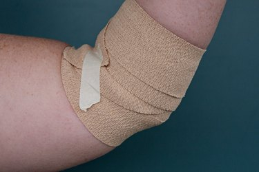 how to wrap elbow step 4