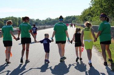 Runners at Savannah's Mother Daughter 5K