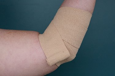 how to wrap elbow step 3
