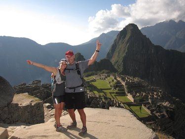 People posing for photo after the Inca Trail Marathon to Machu Picchu