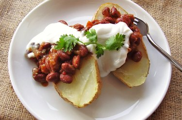 Vegetarian chili potato for healthy snack