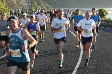 People running the Great Ocean Road Marathon
