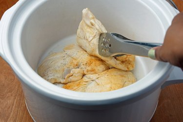 Cooking Boneless, Skinless Chicken Breasts in a Slow Cooker