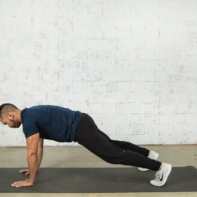 Mike Donavanik demonstrates proper burpee form