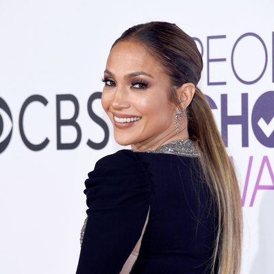 Jennifer Lopez at the People's Choice Awards 2017 - Arrivals
