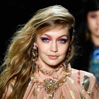 Anna Sui - Runway - February 2018 - New York Fashion Week: The Shows