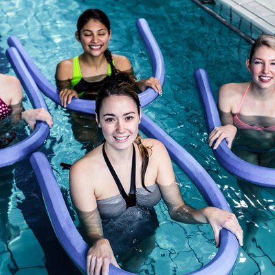 Pros & Cons of Water Aerobics