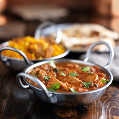 Indian curry - Butter chicken in balti dish