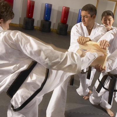 People practicing Tae kwon do