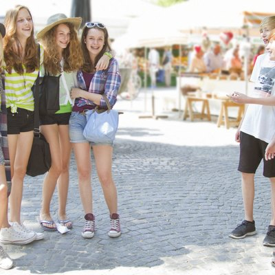 Teenage friends in city