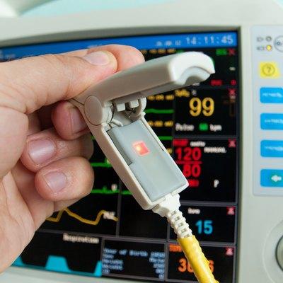 Sensor of oxygen in blood