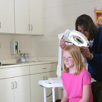 Nurse for head lice
