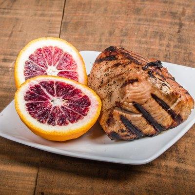 Tuna steak grilled with orange sauce