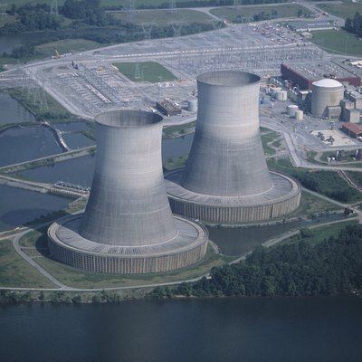 Sequoyah Nuclear Power Plant, aerial view, TN, USA