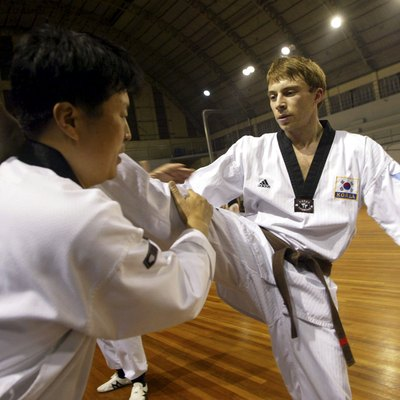 Foriegners Practice Tae Kwon Do In Seoul