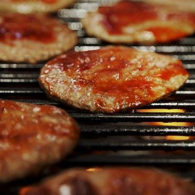 Barbecuing hamburgers