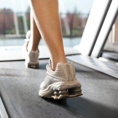 Woan on treadmill