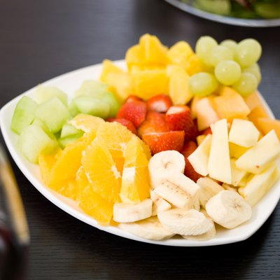 Plate of fruit slices