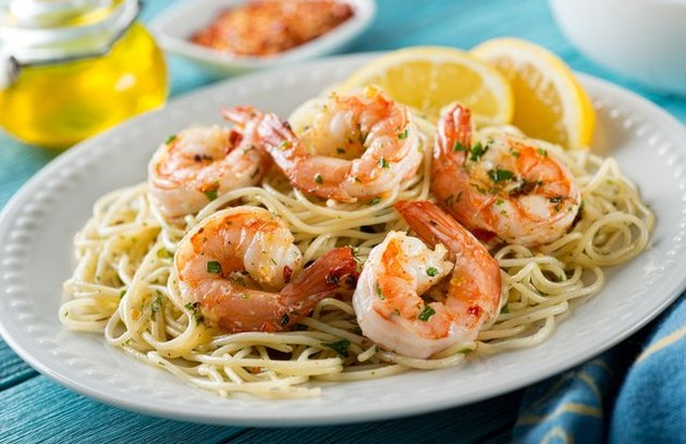 low-calorie dinner recipes Lemon Garlic Shrimp Pasta
