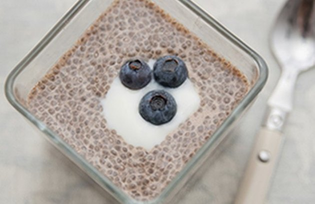Quinoa breakfast recipes Chia and Quinoa Blueberry Breakfast Parfait
