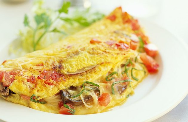 Mushroom and Tomato Omelet - protein breakfast