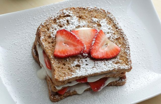 Healthy comfort food recipes Vegan French Toast With Strawberries and Cream