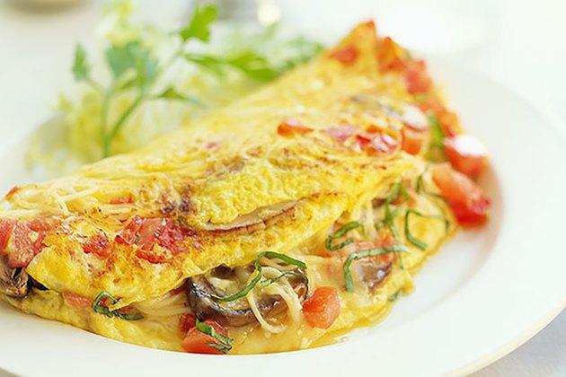 mushroom and tomato omelet