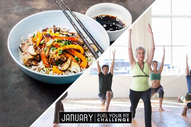 image divisée de la nourriture équilibrée et des femmes et des hommes faisant un exercice de récupération de yoga