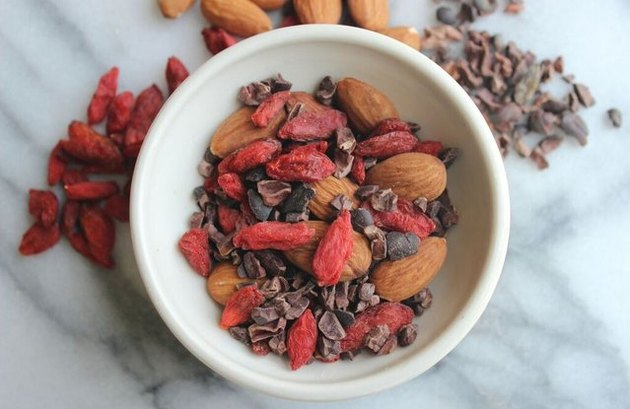 healthy snacks for low blood sugar Goji Berry, Almond and Cacao Trail Mix