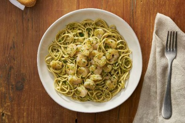 Cucina Mia menu creation with Linguine, Shrimp, and Pesto Sauce at Olive Garden.