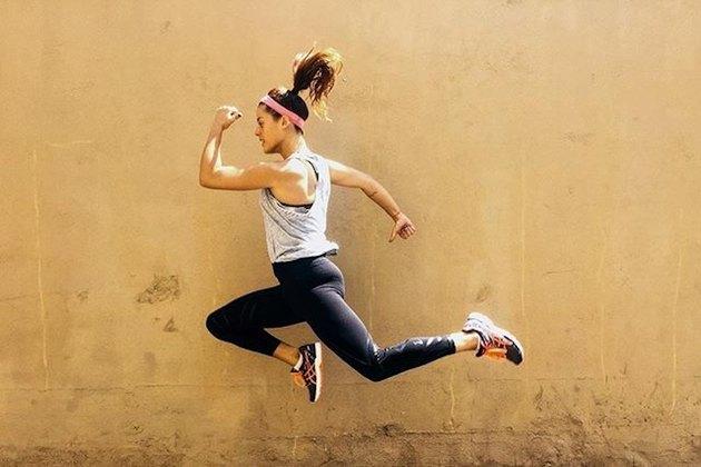 femme, sauter, cardio