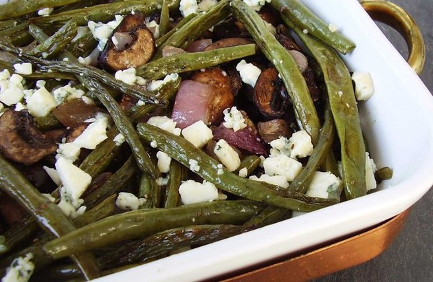 Roasted Green Beans, Mushrooms and Onion