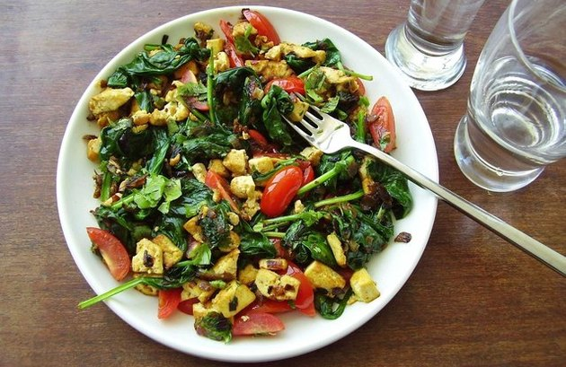 Vegan Curry Sunrise Scramble metabolism boosting breakfasts
