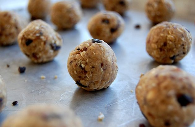 Raw Oat Cacao Cookie Bites recipe
