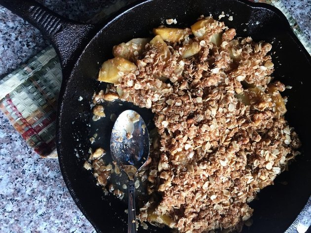 Breakfast-Worthy Apple Crisp Baking Recipes That Don't Require Baking Soda, Baking Powder or Yeast