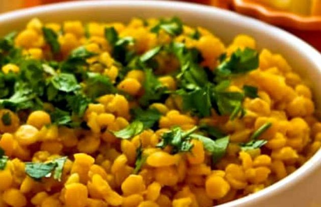Lemony Yellow Split Pea Side Dish with Garlic and Ginger Recipe