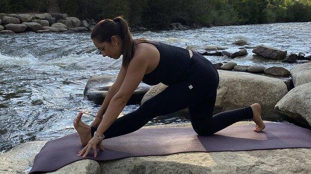 Move 10: Half Split (Ardha Hanumanasana)
