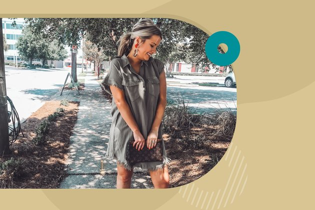 femme debout dans le parc