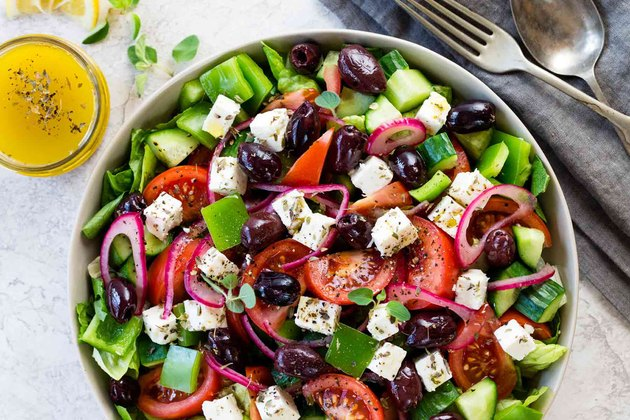 Greek salad recipes romaine olives onions feta