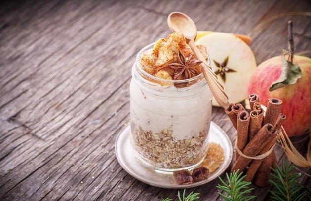 Overnight Apple Pie Protein Oats recipe