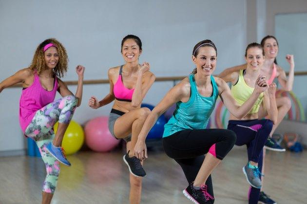 Advantages & Disadvantages of Aerobic Dance