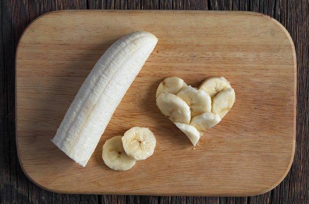 Sliced bananas and shape of hearts