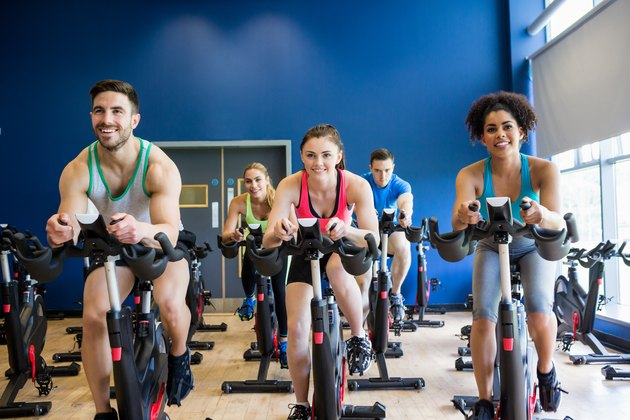 Fit people in a exercise class